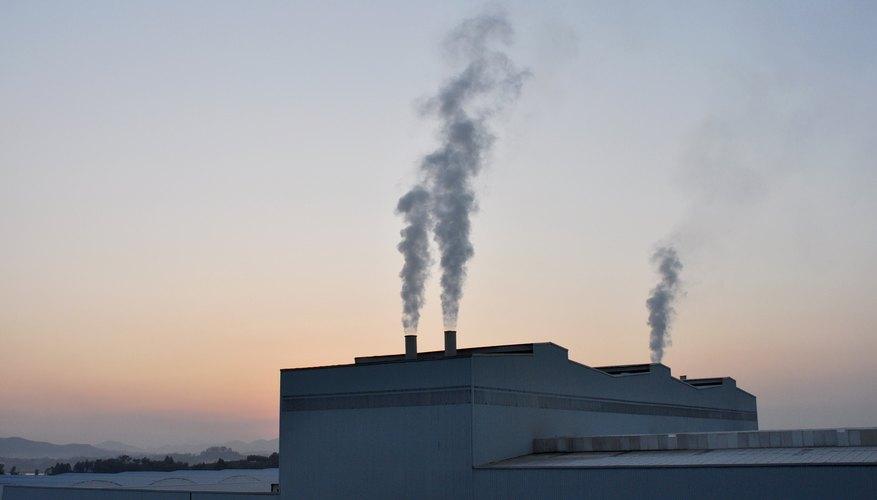 Los desechos de las fábricas y las industrias son una de las mayores contribuciones a los niveles de ácido sulfúrico al medio ambiente.
