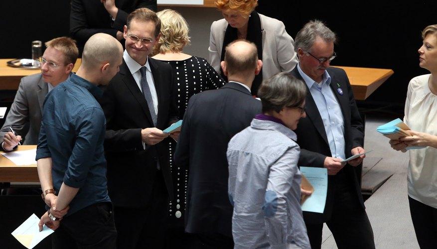 Wowereit Steps Down, Mueller Becomes New Mayor Of Berlin