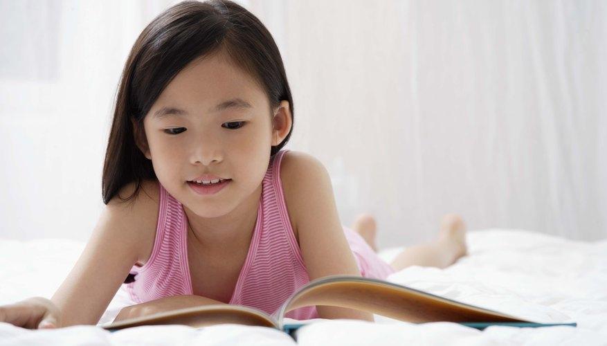 Preséntale a los niños actividades prácticas para mejorar su habilidad de lectura.
