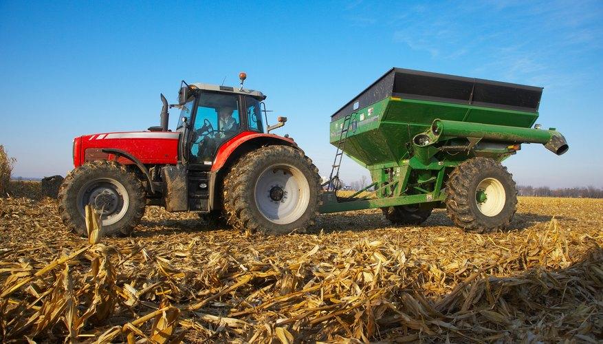 Si bien hay desventajas sustanciales a la mecanización del trabajo agrícola, las ventajas merecen ser tenidas en cuenta.