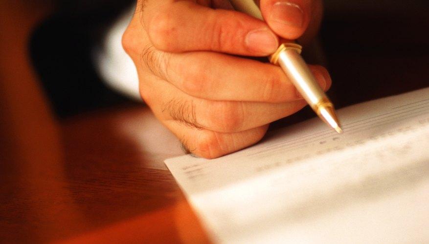 La contabilidad utiliza varias cuentas financieras para organizar y conservar la información financiera relativa a las transacciones comerciales.