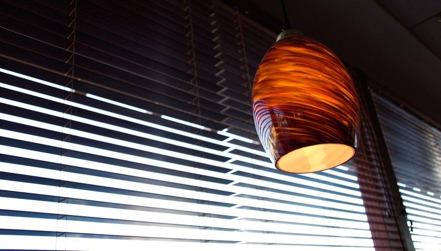 Puede que tengas que quitar las persianas con el fin de limpiar.