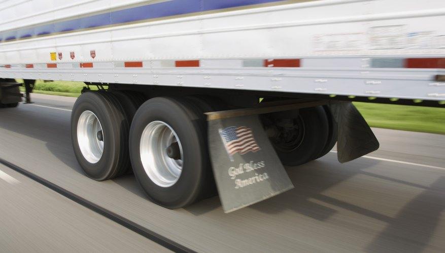 Los ejes de los camiones son el Atlas del comercio, llevando siempre las cargas más pesada en el más humilde de los hombros.