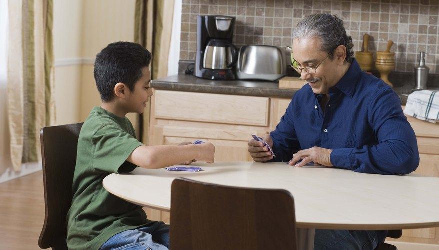 Un padre puede bendecir a un adolescente en muchas ocasiones.