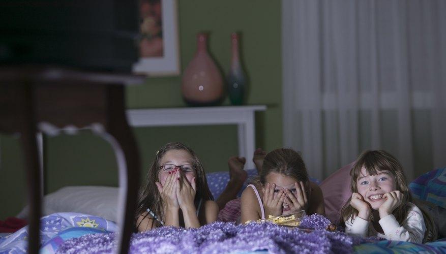 La mayoría de las fiestas de pijamas van bien mientras se mantiene a los niños ocupados.