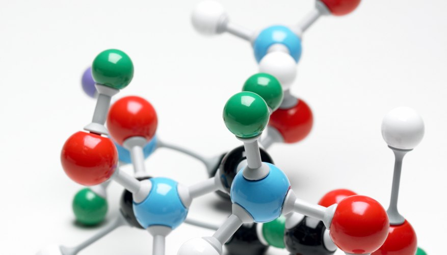 Carbon atoms can link together to form many shapes.