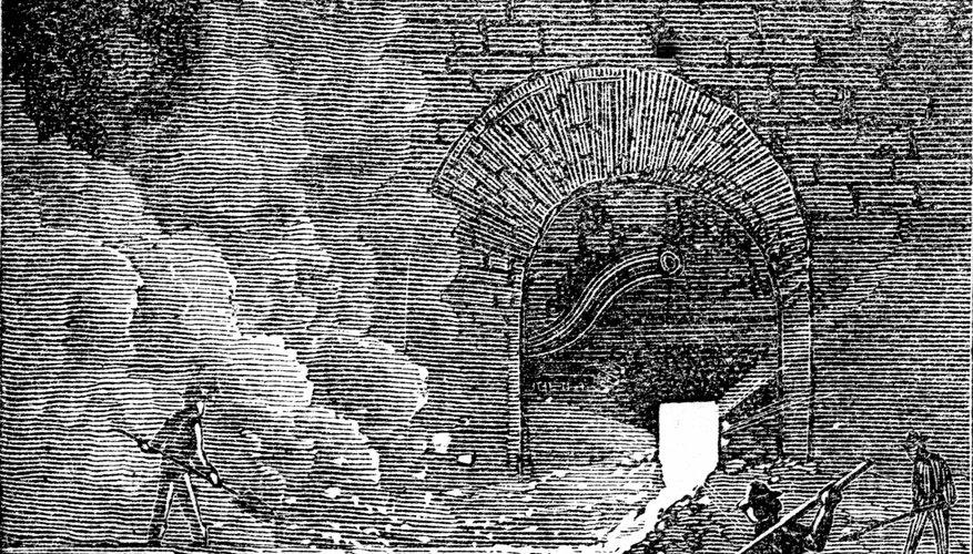 Una vieja ilustración muestra trabajadores vertiendo hierro fundido.