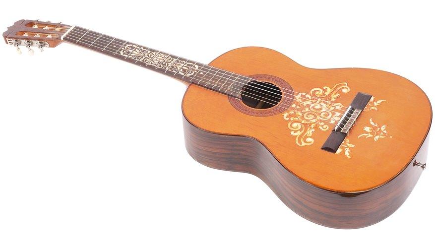Las guitarras flamencas son un poco distintas a las clásicas.