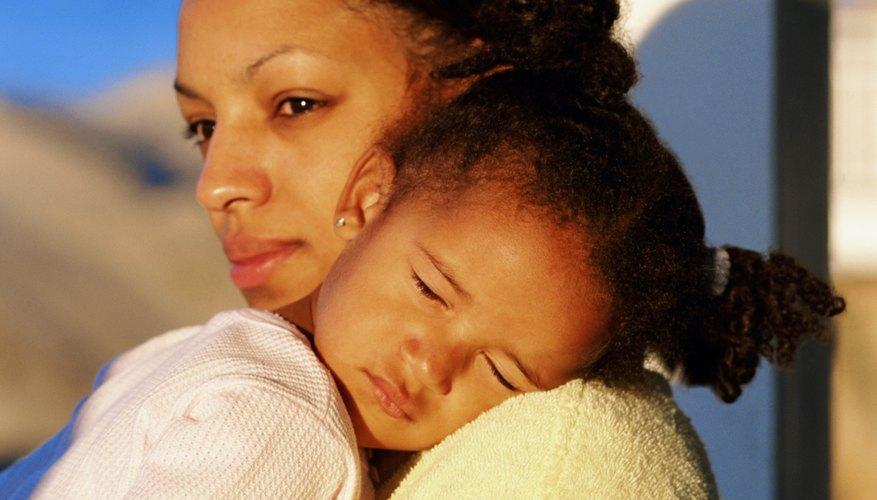 Los niños que no duermen lo suficiente pueden estar cansados e irritables.