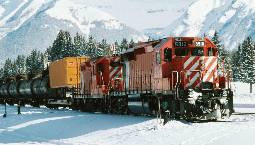 Las locomotoras impulsan o jalan la serie de vagones del tren.