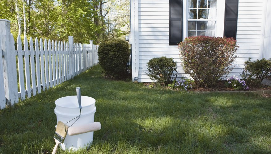 Transform 5-gallon plastic buckets into a mini farm.