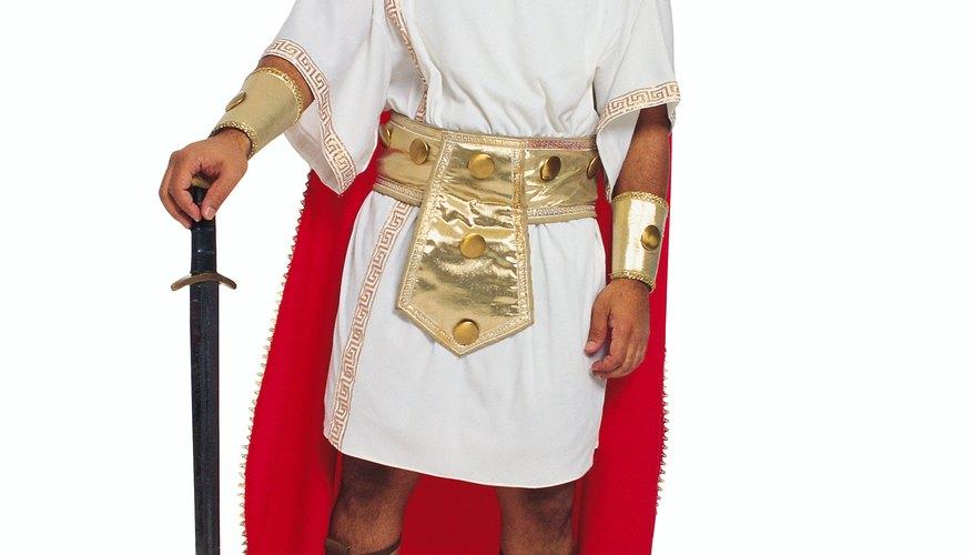 Un traje de soldado romano casero puede ser hecho fácilmente por cualquiera en la obra escolar.