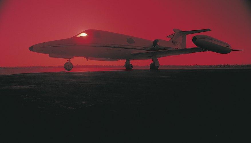 Cuál es el peso del combustible para aviones.