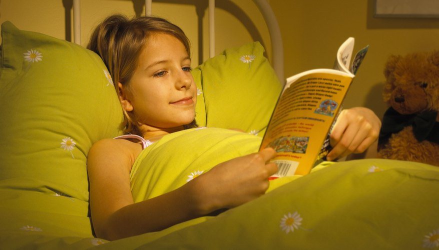 Quiet time before lights-out helps kids prepare for sleep.