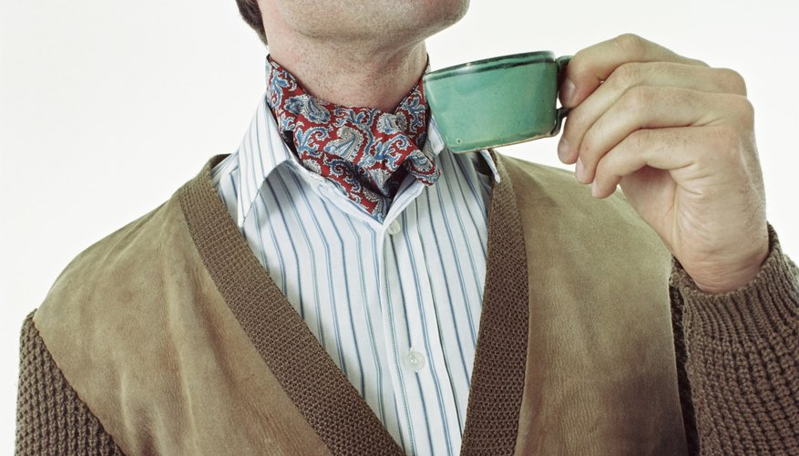 Creating your own day cravat allows you to make it more personalized.