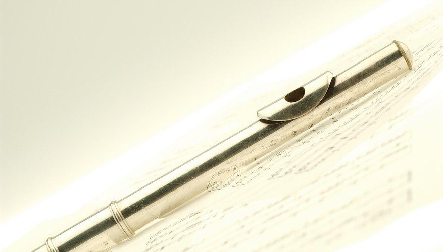 Las flautas vienen en dos tipos: las de soplado al borde y de soplado lateral.
