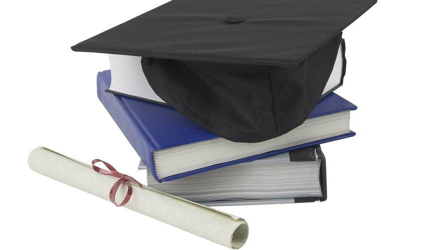 Universidades que ofrecen títulos en terapia física y medicina deportiva.