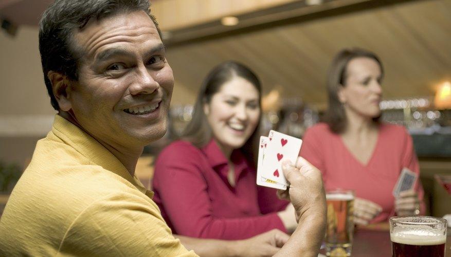 Para una fiesta más tranquila, los juegos de mesa son una excelente opción.