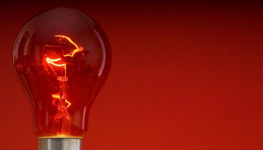 El cálculo del voltaje del circuito requiere que conozcas el amperaje y voltaje del circuito.
