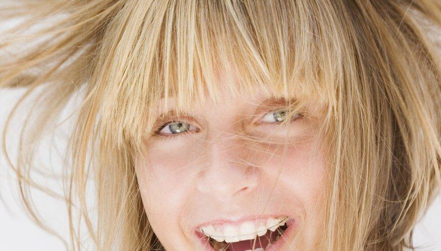 La estática es la responsable de que el cabello se erice.