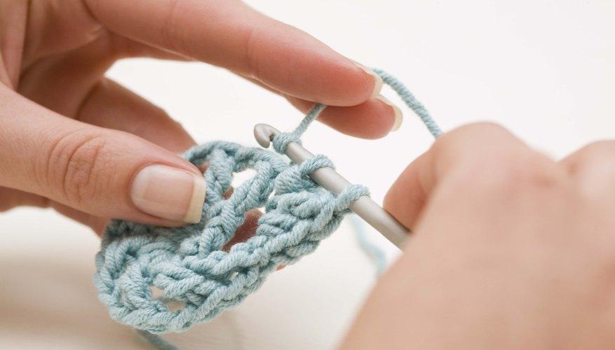 Inserta el gancho en la parte superior del bucle de la segunda cadena del gancho.