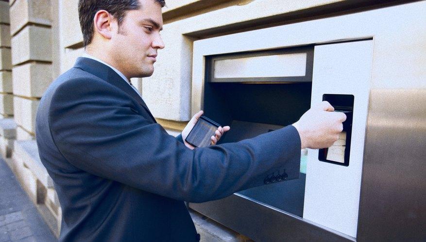 La dirigencia de una compañía debe monitorear todas las transacciones operativas, ya sea que involucren dinero en efectivo o no.