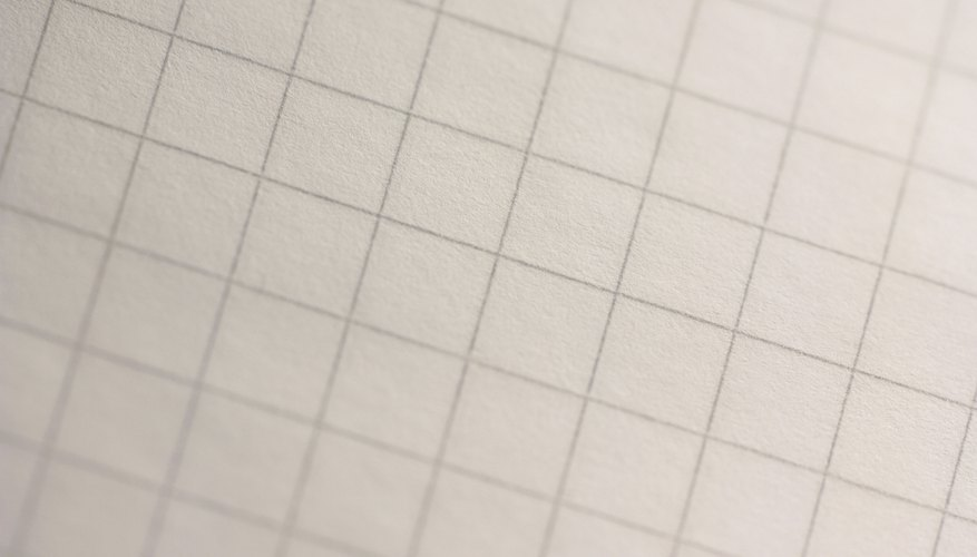 Usa lápices de colores y papel cuadriculado para trazar un cuadrado.