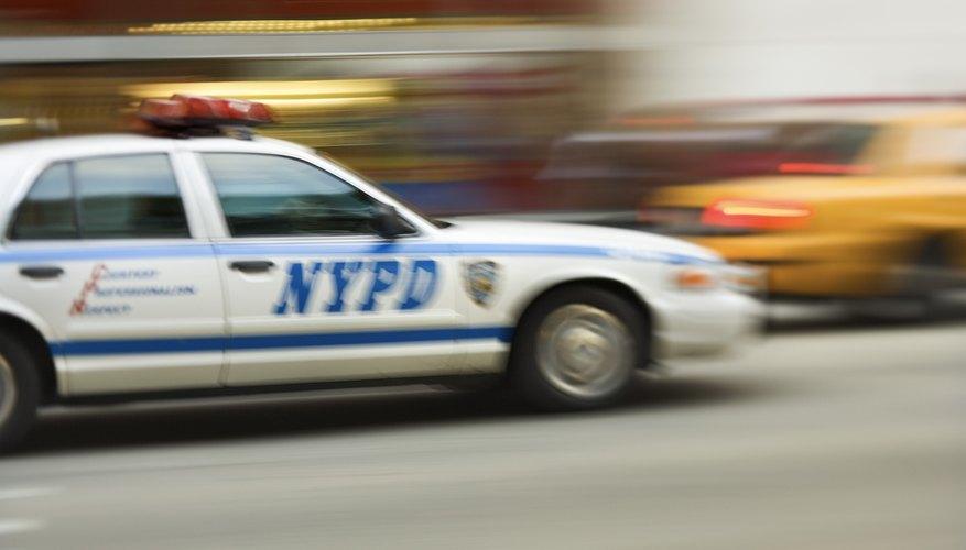 Puedes usar autos de policía en