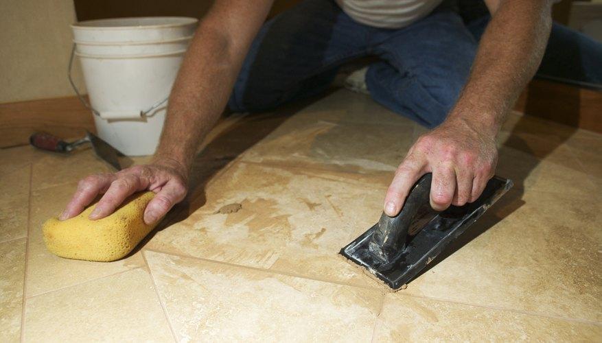 Es necesario limpiar los azulejos correctamente después de la instalación.