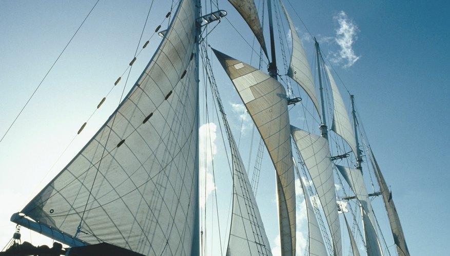 Guybrush debe robar la nota de crédito del tendero para comprar un barco pirata.