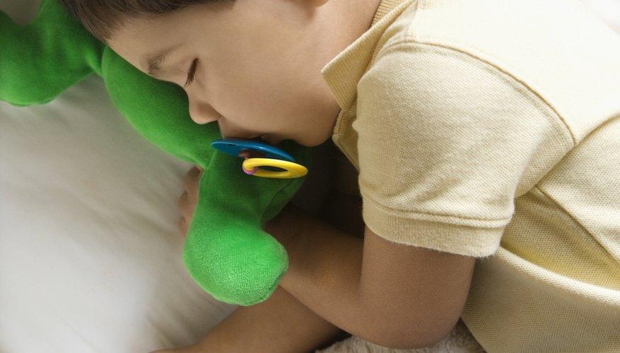 La mayoría de los niños pequeños necesitan mínimo una siesta corta al día.