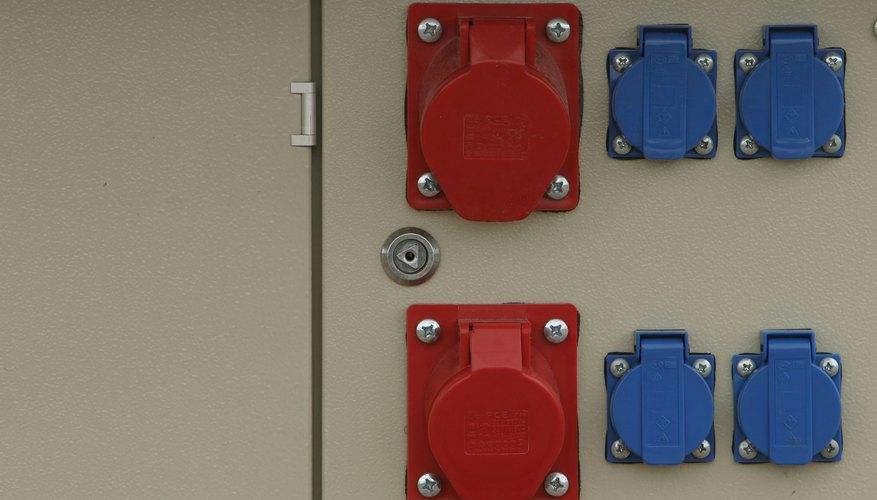 GFCI es sinónimo de interruptor de circuito de falla a tierra. Un GFCI te protege a ti y a tu familia de una descarga eléctrica, por lo que es un accesorio especialmente importante en áreas donde hay humedad, como los cuartos de baño.