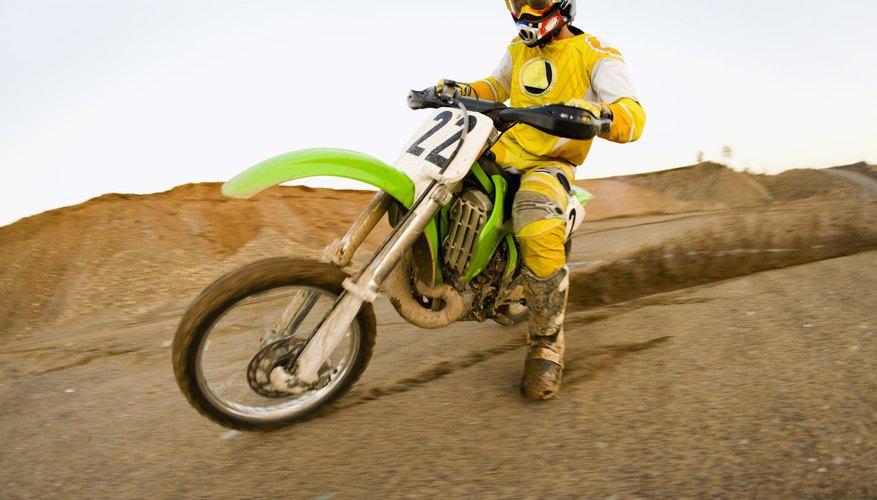 Elimina los olores indeseados del interior de los guantes de motociclismo.