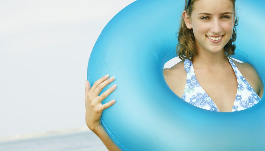El parche de nailon puede ser cosido al inflable con una aguja e hilo.
