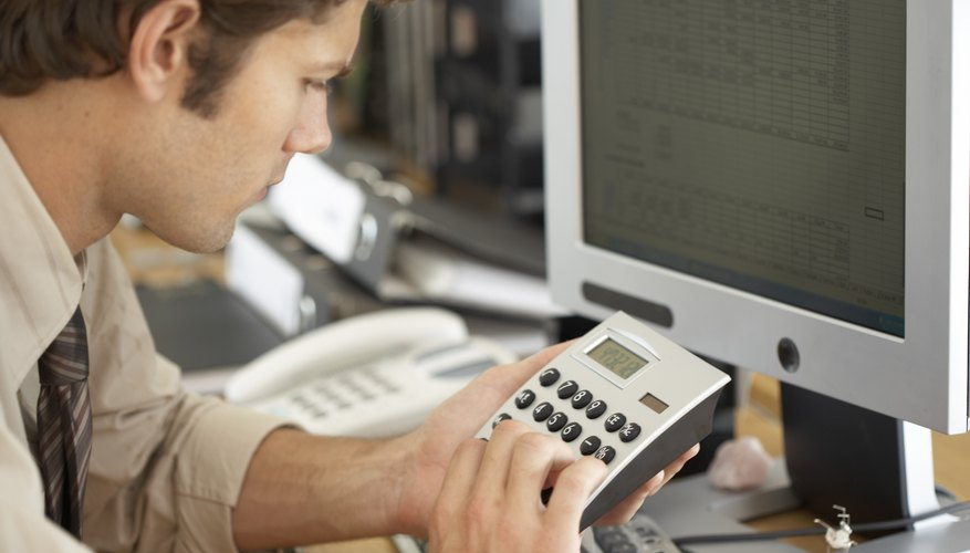 El presupuesto de materiales de oficina debe ser preparado cuidadosamente.