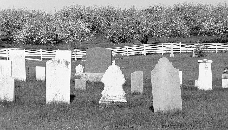 Aunque lúgubre, hacer una tumba para un proyecto escolar puede ser divertido.