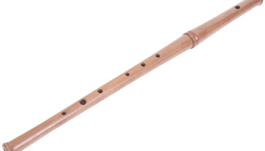 Los agujeros de los dedos de una flauta se miden desde el agujero de la boca.
