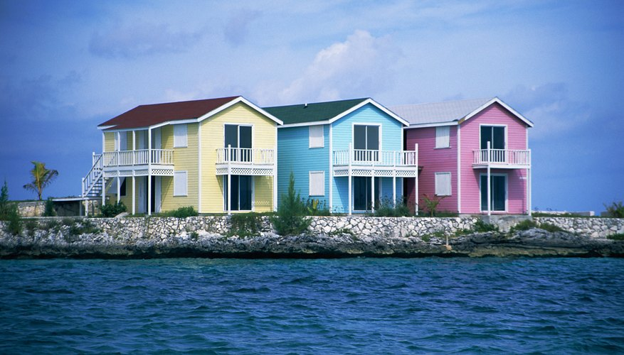 Casas color pastel, New Providence, Bahamas.