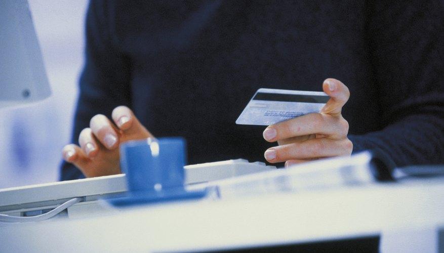 Las compras en línea requieren un sistema de procesamiento de transacciones para gestionar la misma.