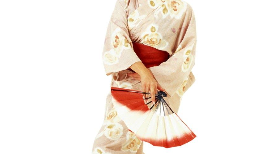 Mulan, la doncella china que se volvió heroína, es un personaje de Disney legendario y es un buen disfraz para que uses en Noche de Brujas.