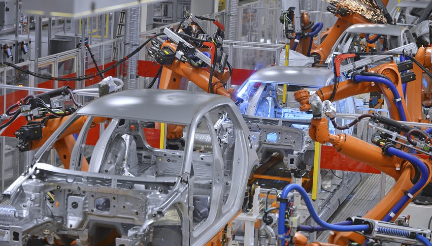 El proceso de fabricación de automóviles involucra muchos pasos.