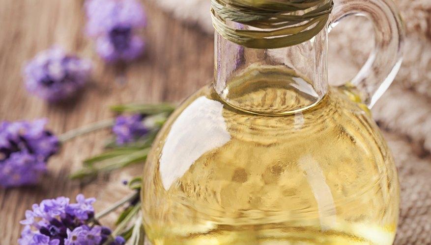 Aquí te mostramos los pasos para extraer aceites esenciales en casa.