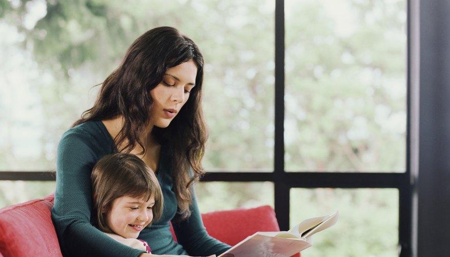 Rodea a los niños con libros desde temprana edad.