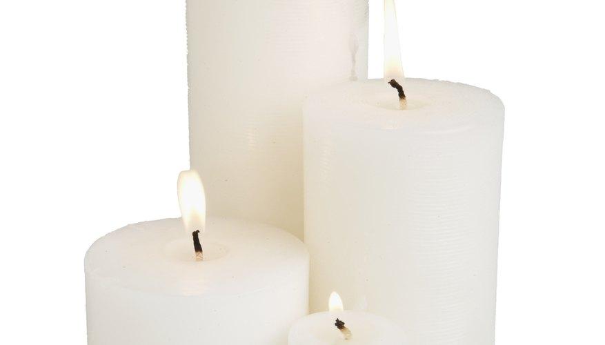 El combustible para que una vela arda es la parafina misma.