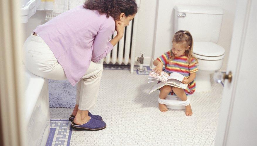 Los niños occidentales son entrenados en el uso del orinal mucho más tarde que en otras zonas del mundo.