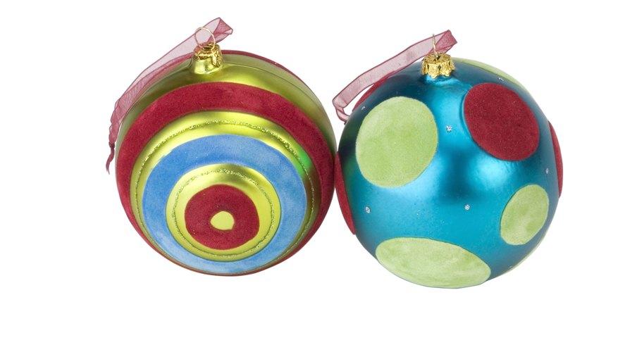 Construye esferas de papel como adornos o proyectos de ciencias.