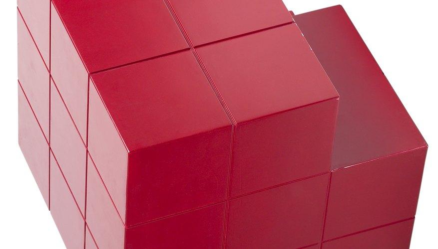 Enseñar a los niños las propiedades de las figuras tridimensionales suele resultar más difícil que enseñarles las bidimensionales.