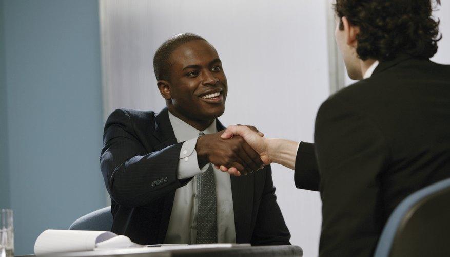 Cuando te hayan llamado para una segunda entrevista, puedes sentirte confiado de que tu primer entrevista impresionó a tu potencial empleador.