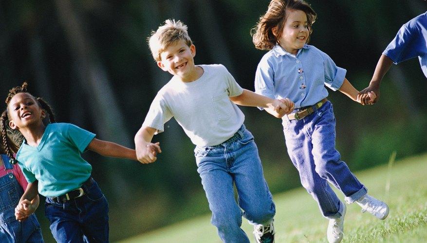 Los niños siempre han jugado, pero sus juegos han cambiado con el tiempo.