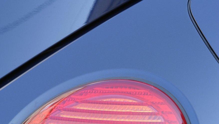 Reemplazar la luz trasera de la Nissan X-Trail es sencillo.